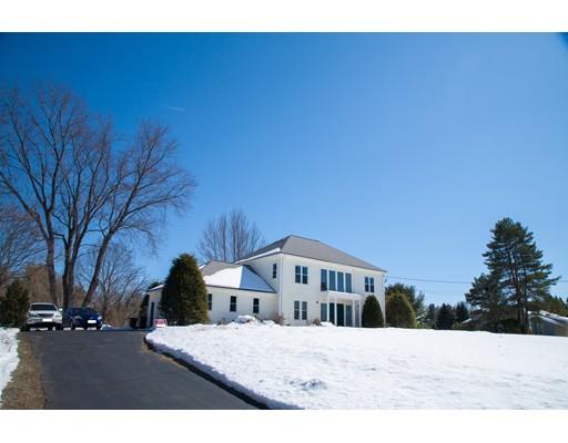Nhà ở một gia đình vì Bán tại 25 Loker Street 25 Loker Street Wayland, Massachusetts 01778 Hoa Kỳ