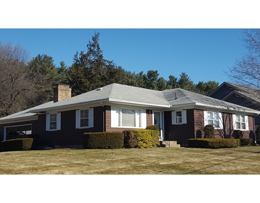 Casa Unifamiliar por un Venta en 41 Lynn Ann Drive 41 Lynn Ann Drive Holyoke, Massachusetts 01040 Estados Unidos
