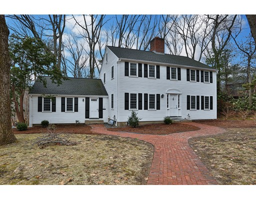 Single Family Home for Sale at 17 Fernway 17 Fernway Lynnfield, Massachusetts 01940 United States