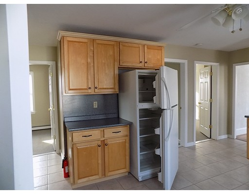 独户住宅 为 出租 在 210 Smith Street 北阿特尔伯勒, 02760 美国