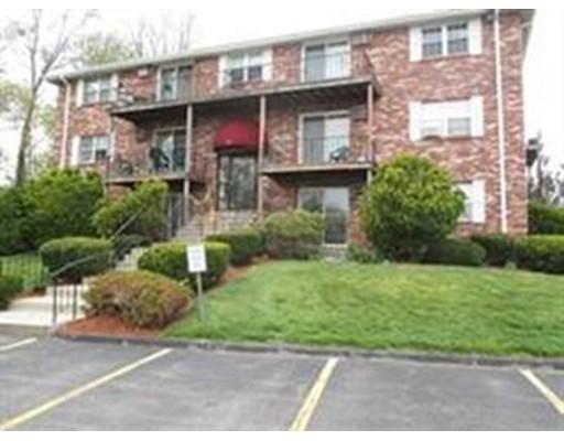 Maison unifamiliale pour l à louer à 11 Kenmar Drive 11 Kenmar Drive Billerica, Massachusetts 01821 États-Unis