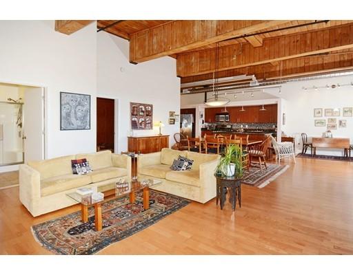 共管式独立产权公寓 为 销售 在 130 John Street 130 John Street Lowell, 马萨诸塞州 01852 美国