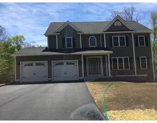 Maison unifamiliale pour l Vente à 739 Monson Road 739 Monson Road Wilbraham, Massachusetts 01095 États-Unis