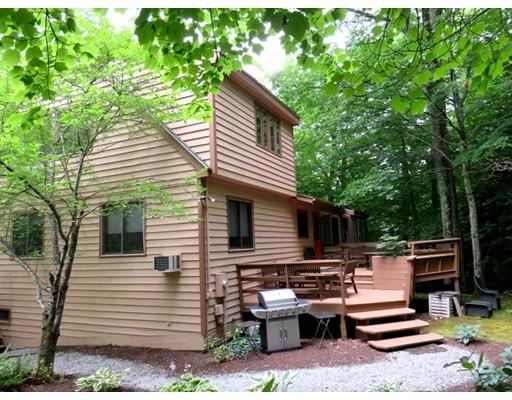 Maison unifamiliale pour l Vente à 307 Sanctuary Lane 307 Sanctuary Lane Sandisfield, Massachusetts 01255 États-Unis