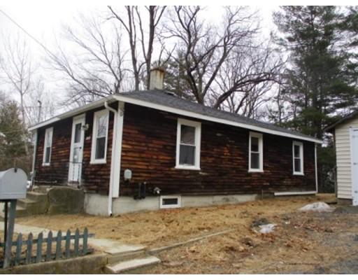 Maison unifamiliale pour l Vente à 130 Yale Avenue 130 Yale Avenue Athol, Massachusetts 01331 États-Unis