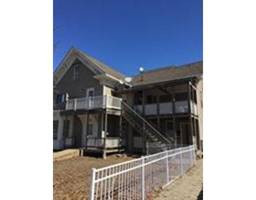 Maison avec plusieurs logements pour l Vente à 657 Main Street 657 Main Street Clinton, Massachusetts 01510 États-Unis