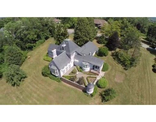 Casa Unifamiliar por un Venta en 63 Fiske Hill Road Sturbridge, Massachusetts 01566 Estados Unidos