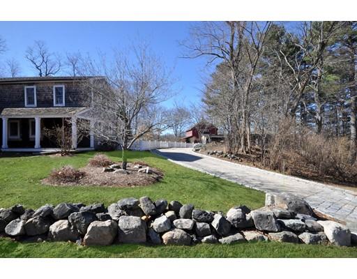 واحد منزل الأسرة للـ Sale في 15 Conant Road 15 Conant Road Lincoln, Massachusetts 01773 United States