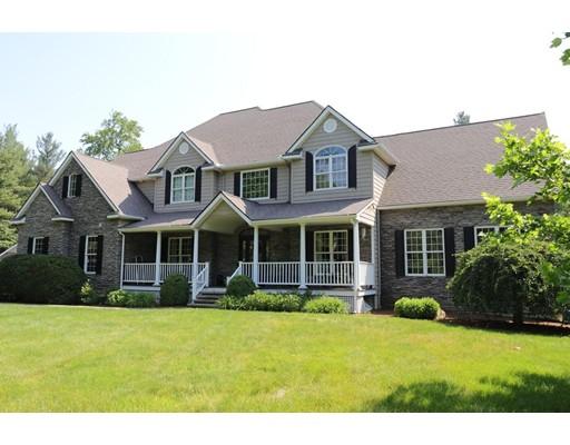 Частный односемейный дом для того Продажа на 41 Montague Street 41 Montague Street Westhampton, Массачусетс 01027 Соединенные Штаты