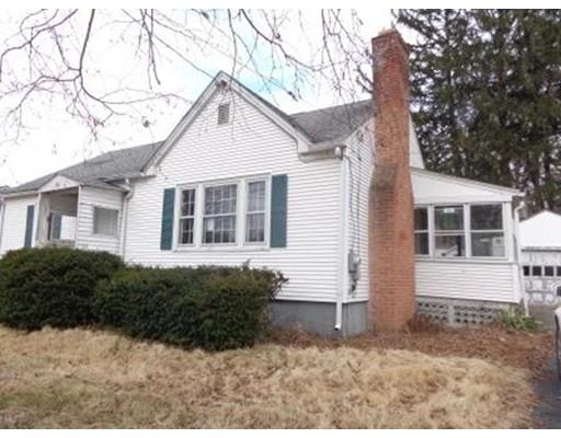 Частный односемейный дом для того Продажа на 122 Prospect Street 122 Prospect Street East Longmeadow, Массачусетс 01028 Соединенные Штаты