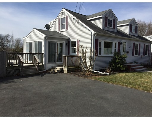 Picture 2 of 5 Margerie St  Newburyport Ma 4 Bedroom Single Family
