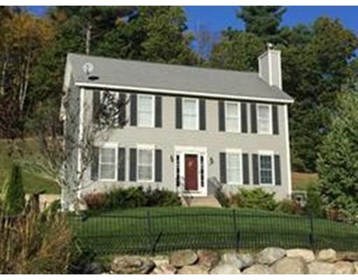 Maison unifamiliale pour l Vente à 67 Hidden Road 67 Hidden Road Dracut, Massachusetts 01826 États-Unis