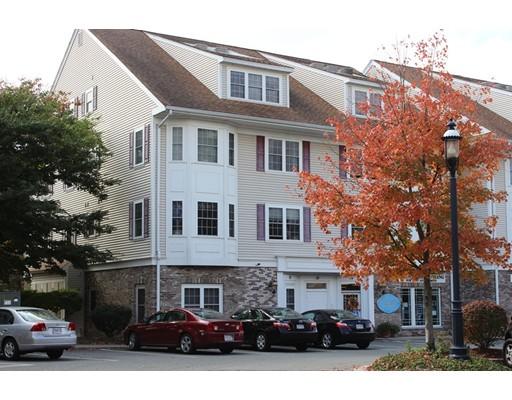 Appartement en copropriété pour l Vente à 16 FORGE POND 16 FORGE POND Canton, Massachusetts 02021 États-Unis