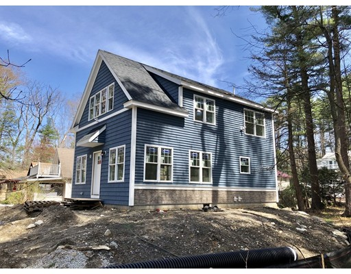 Maison unifamiliale pour l Vente à 12 Grove Street 12 Grove Street Windham, New Hampshire 03087 États-Unis