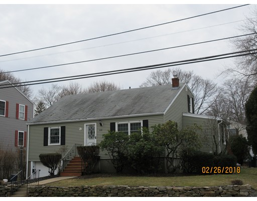 Picture 2 of 66 Andover St  Peabody Ma 3 Bedroom Single Family
