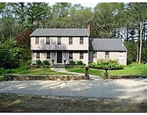 独户住宅 为 出租 在 134 Autumn Lane 134 Autumn Lane 达克斯伯里, 马萨诸塞州 02332 美国