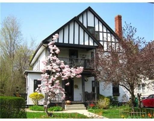 Apartamento por un Alquiler en 143 Norwood Avenue #143 143 Norwood Avenue #143 Newton, Massachusetts 02460 Estados Unidos