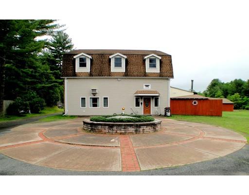 Частный односемейный дом для того Продажа на 120 School Street 120 School Street Granby, Массачусетс 01033 Соединенные Штаты