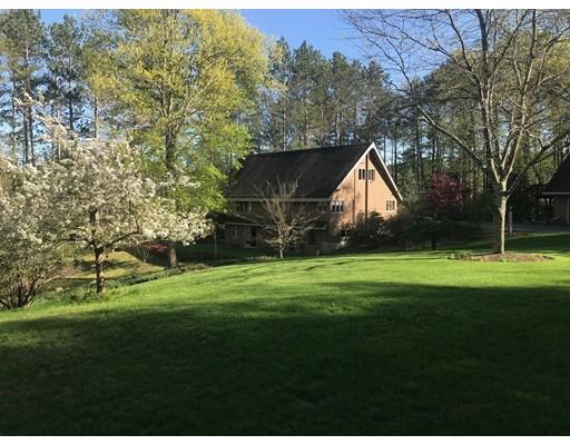 Maison unifamiliale pour l Vente à 92 Jasmine Road 92 Jasmine Road Orange, Massachusetts 01364 États-Unis