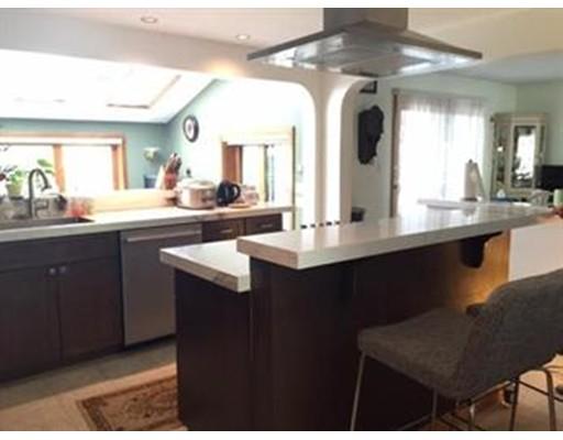 Single Family Home for Rent at 26 Lantern Lane 26 Lantern Lane Arlington, Massachusetts 02474 United States
