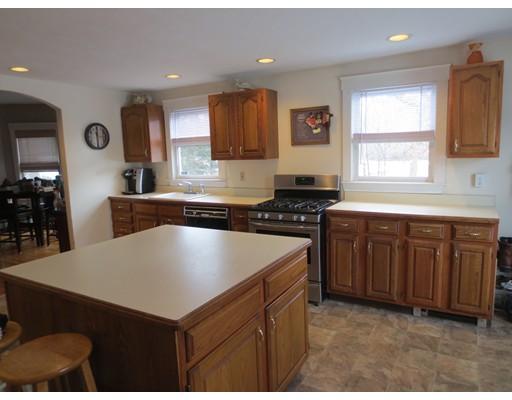 Single Family Home for Rent at 152 Lincoln Street 152 Lincoln Street Easton, Massachusetts 02356 United States