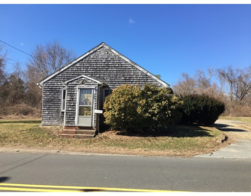 Single Family Home for Sale at 248 Bakerville Road 248 Bakerville Road Dartmouth, Massachusetts 02748 United States