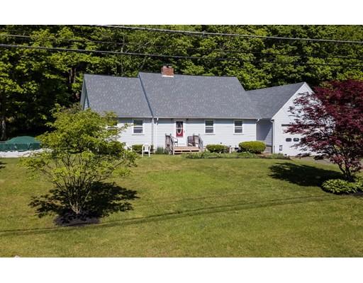 واحد منزل الأسرة للـ Sale في 195 Daniel Shays Hwy 195 Daniel Shays Hwy Belchertown, Massachusetts 01007 United States