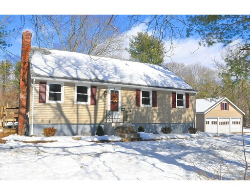 Single Family Home for Sale at 258 Harvard Street 258 Harvard Street East Bridgewater, Massachusetts 02333 United States