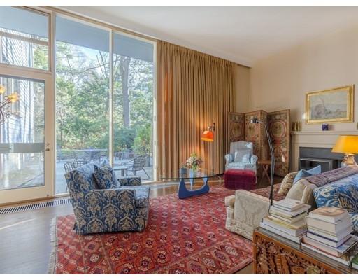 Частный односемейный дом для того Продажа на 106 Sargent Road 106 Sargent Road Brookline, Массачусетс 02445 Соединенные Штаты