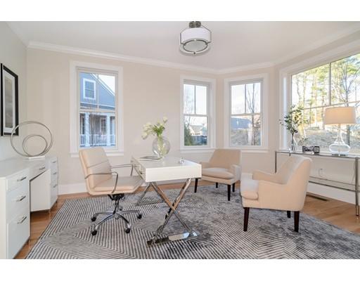 共管式独立产权公寓 为 销售 在 37 Woodmere Drive 米尔顿, 02186 美国