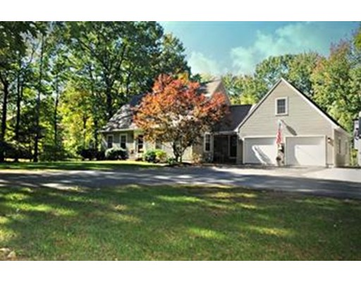 Single Family Home for Sale at 272 Old Hardwick Road Barre, Massachusetts 01005 United States
