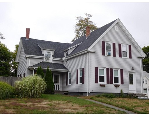 Single Family Home for Rent at 26 Lovell Street 26 Lovell Street Middleboro, Massachusetts 02346 United States