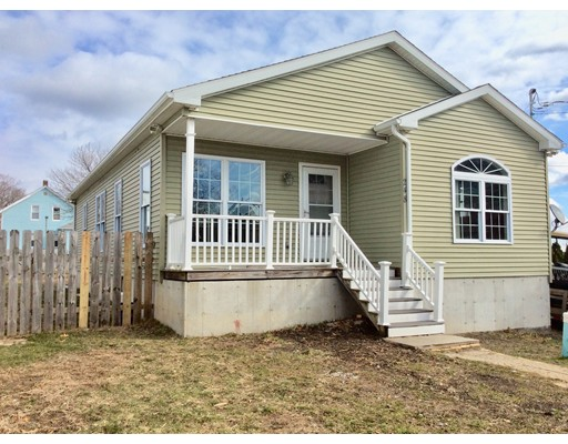 Single Family Home for Sale at 248 Grattan Street 248 Grattan Street Fall River, Massachusetts 02721 United States