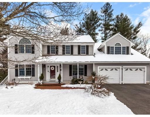 Maison unifamiliale pour l Vente à 25 Beaver Brook Road 25 Beaver Brook Road Canton, Massachusetts 02021 États-Unis