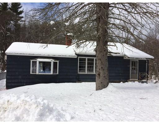 Maison unifamiliale pour l Vente à 232 Harvard Road 232 Harvard Road Bolton, Massachusetts 01740 États-Unis