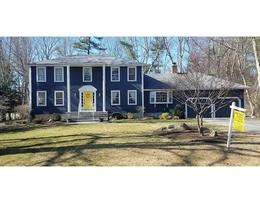 独户住宅 为 销售 在 4 Massachusetts Avenue 诺福克, 02056 美国