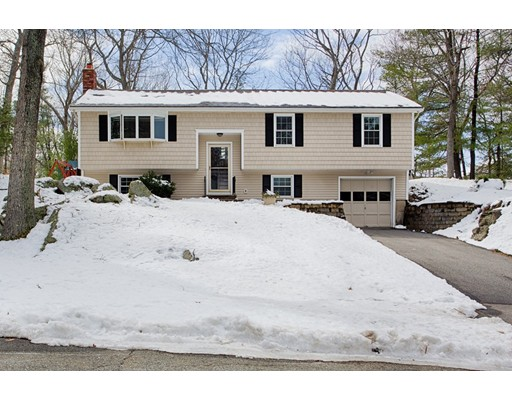 Single Family Home for Sale at 4 Cobblers Lane 4 Cobblers Lane Beverly, Massachusetts 01915 United States
