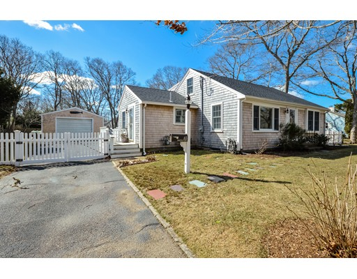 Single Family Home for Sale at 65 Jericho Path 65 Jericho Path Falmouth, Massachusetts 02540 United States