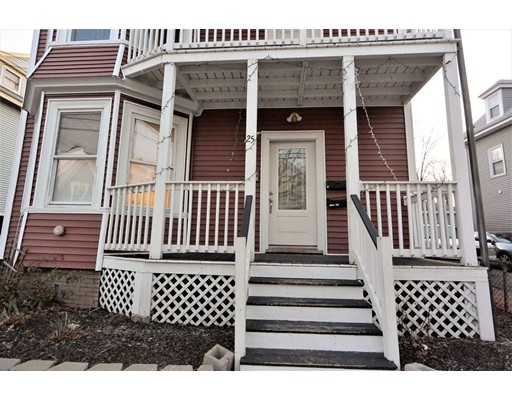 متعددة للعائلات الرئيسية للـ Sale في 25 Elm Street 25 Elm Street Lynn, Massachusetts 01905 United States