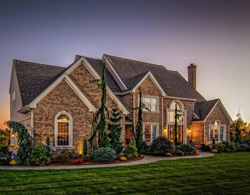 Casa Unifamiliar por un Venta en 7 Orchard Hill Drive 7 Orchard Hill Drive Westborough, Massachusetts 01581 Estados Unidos