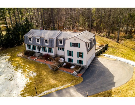 Single Family Home for Sale at 9 Bartlett 9 Bartlett Brentwood, New Hampshire 03833 United States