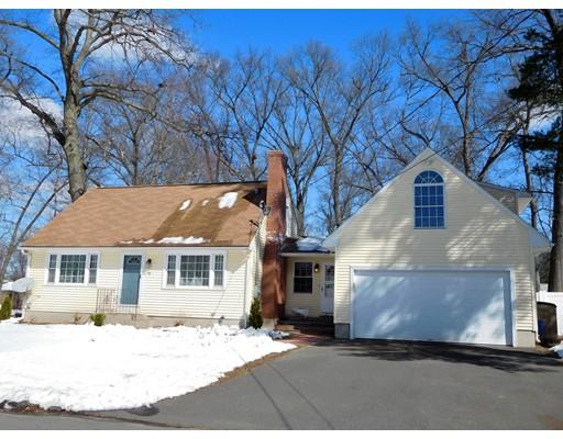 Maison unifamiliale pour l Vente à 14 Ellis Road 14 Ellis Road Enfield, Connecticut 06082 États-Unis