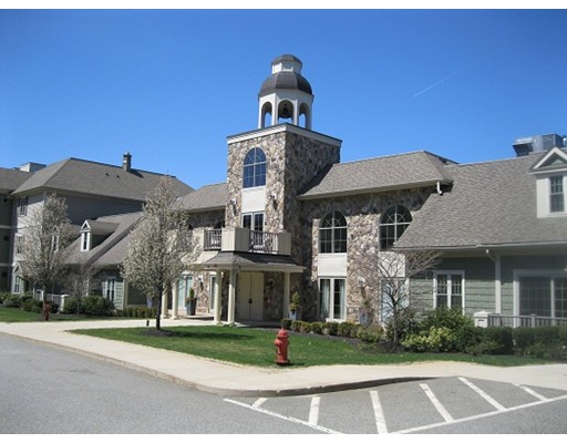 Appartement en copropriété pour l Vente à 59 Walpole Street 59 Walpole Street Canton, Massachusetts 02021 États-Unis