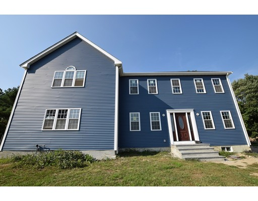 Single Family Home for Sale at 1440 Plymouth Street 1440 Plymouth Street Bridgewater, Massachusetts 02324 United States