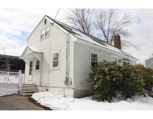 Single Family Home for Rent at 14 Dearborn Road 14 Dearborn Road Burlington, Massachusetts 01803 United States