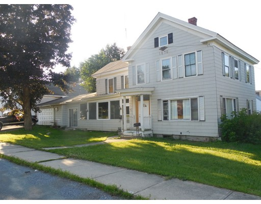 Casa Multifamiliar por un Venta en 235 East Quincy 235 East Quincy North Adams, Massachusetts 01247 Estados Unidos