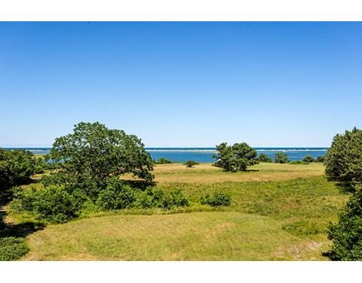 Частный односемейный дом для того Продажа на 15 Moffett Way 15 Moffett Way Edgartown, Массачусетс 02539 Соединенные Штаты