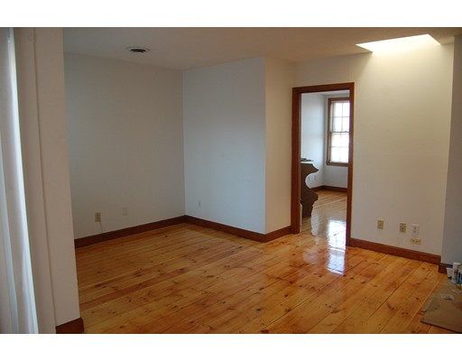 Single Family Home for Rent at 32 Prospect Street Boston, Massachusetts 02129 United States
