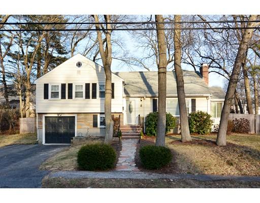 واحد منزل الأسرة للـ Sale في 26 Manning Road 26 Manning Road Dedham, Massachusetts 02026 United States
