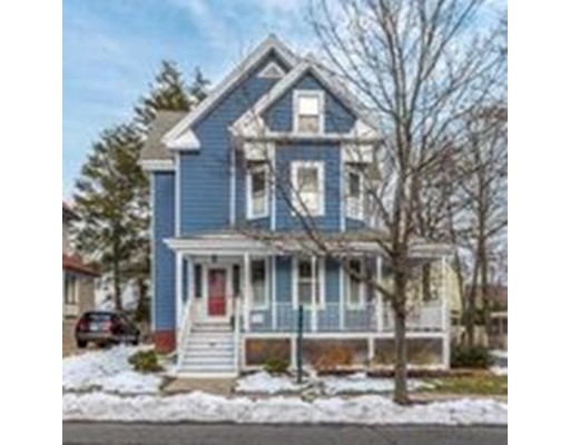 Maison avec plusieurs logements pour l Vente à 57 Hawthorne Street 57 Hawthorne Street Malden, Massachusetts 02148 États-Unis